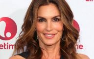 Pretty Cindy Crawford 29 Background Wallpaper