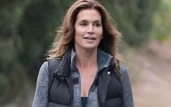 Pretty Cindy Crawford 31 Background
