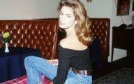 Pretty Cindy Crawford 4 Free Wallpaper