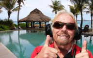 Richard Branson Successful Businessman 34 Background Wallpaper