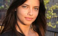 Adriana Lima 5 Background