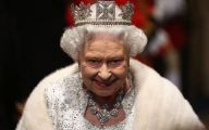 Queen Of England 32 Background Wallpaper