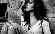Rihanna 34 Cool Wallpaper