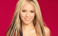 Shakira 18 Desktop Background