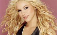 Shakira 33 Background Wallpaper