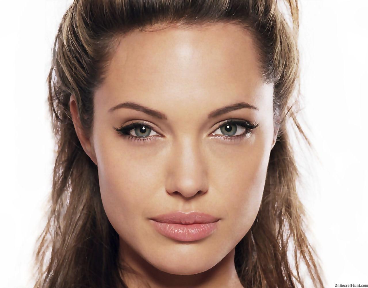 Angelina Jolie 13 Wide Wallpaper