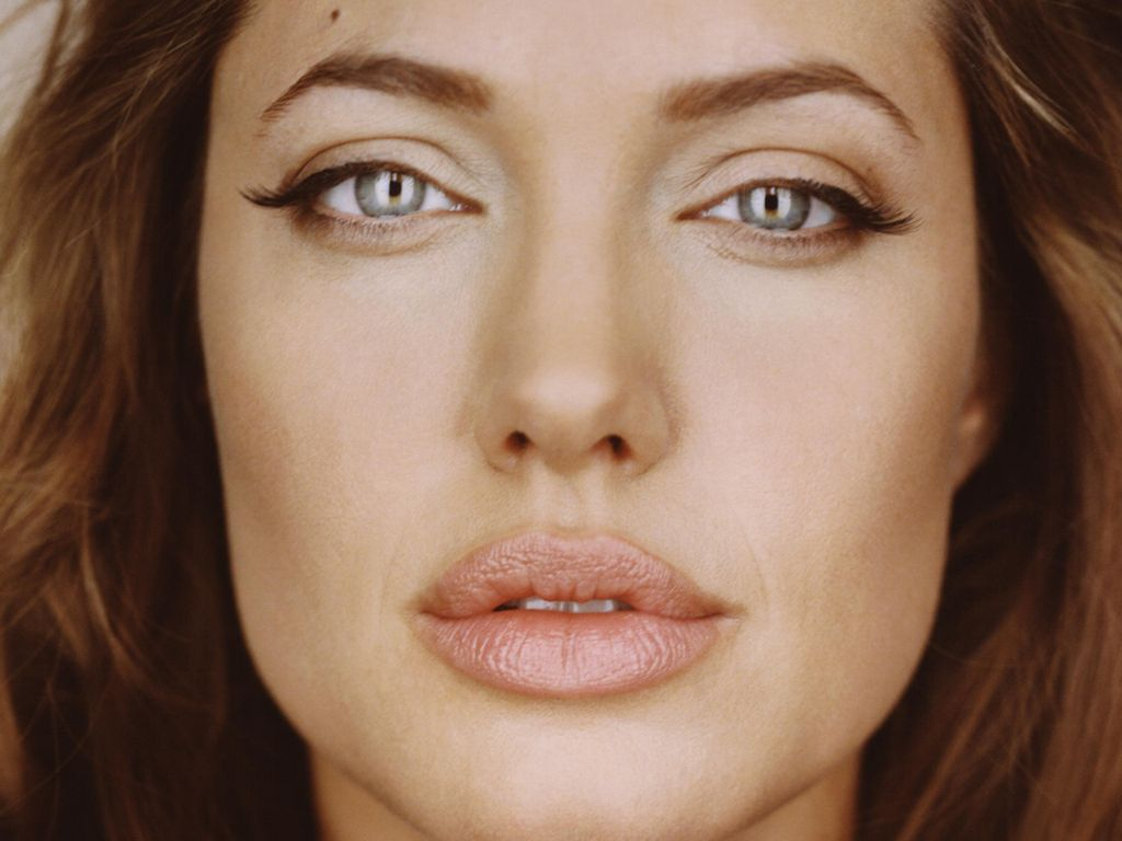 Angelina Jolie 35 Hd Wallpaper