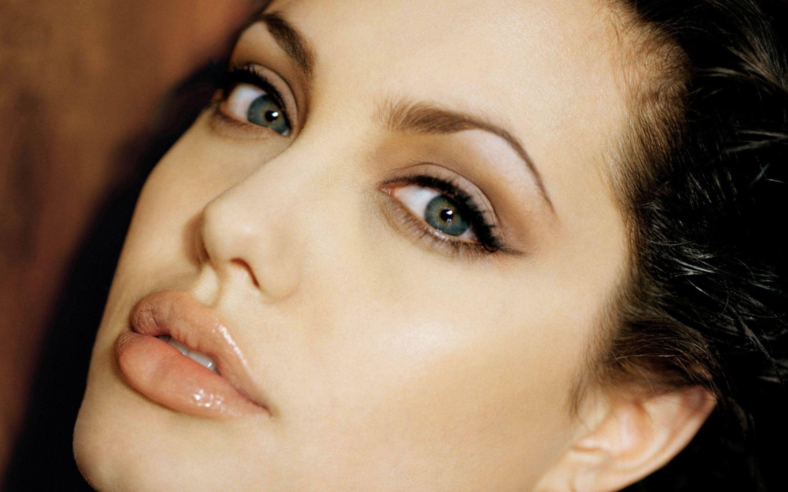 Angelina Jolie 38 Cool Hd Wallpaper