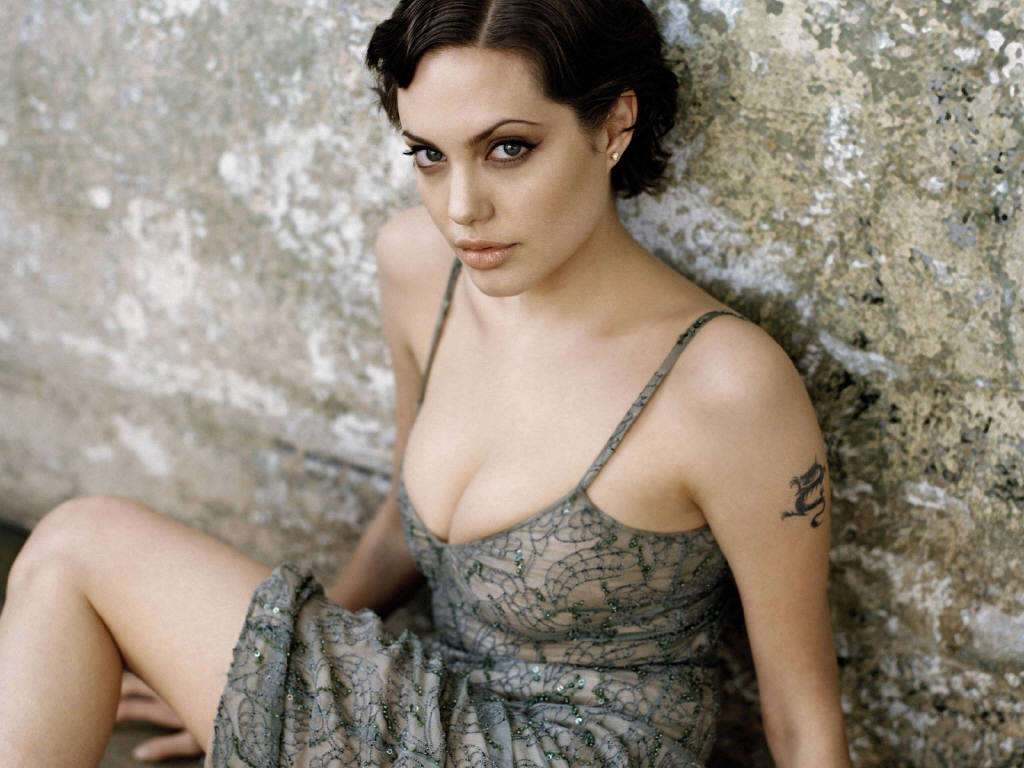 angelina jolie 42 free wallpaper - hot celebrities wallpapers