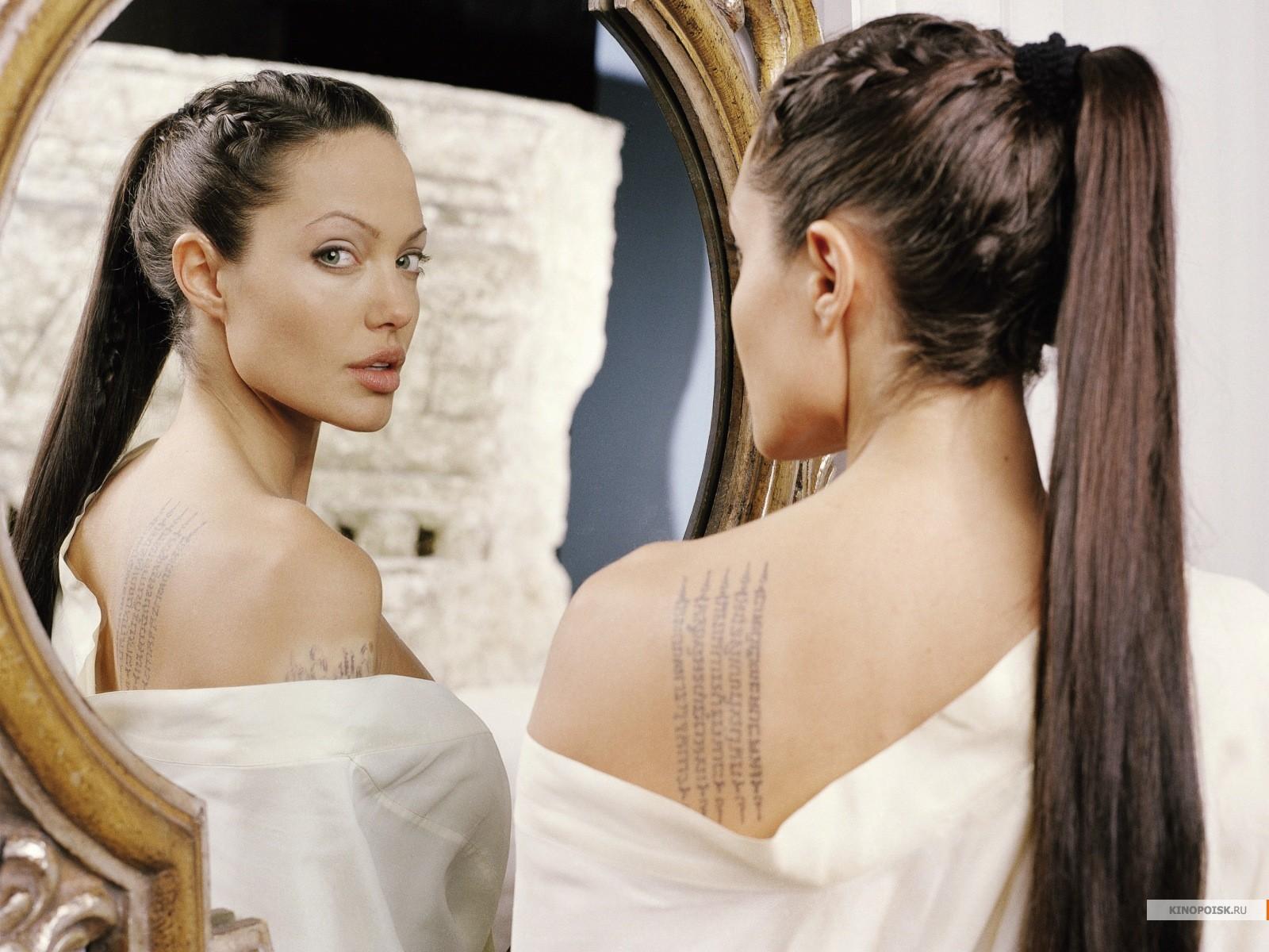 Angelina Jolie 9 Wide Wallpaper