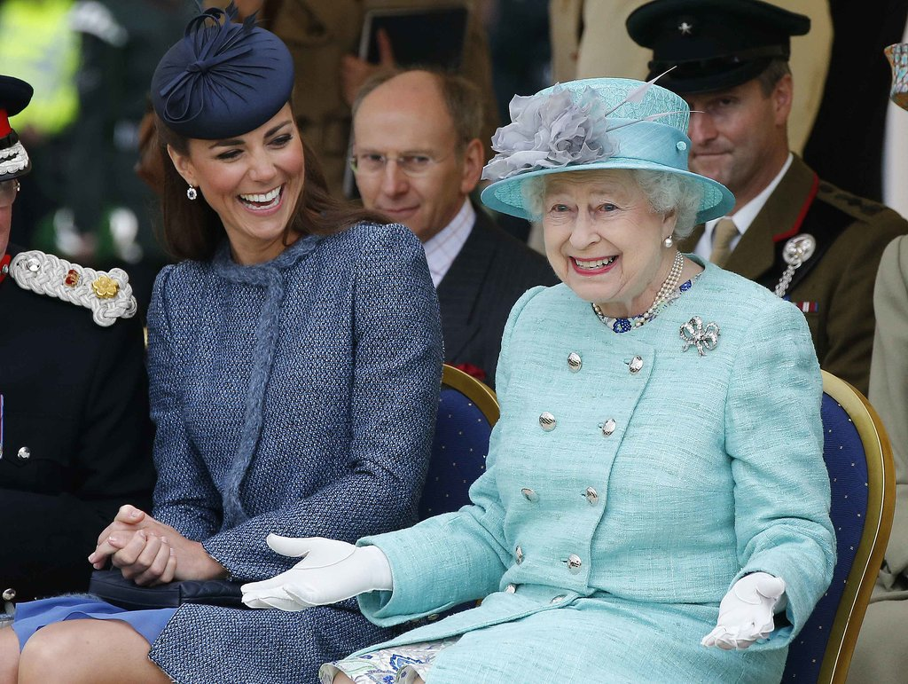 Queen Of England 31 Desktop Background