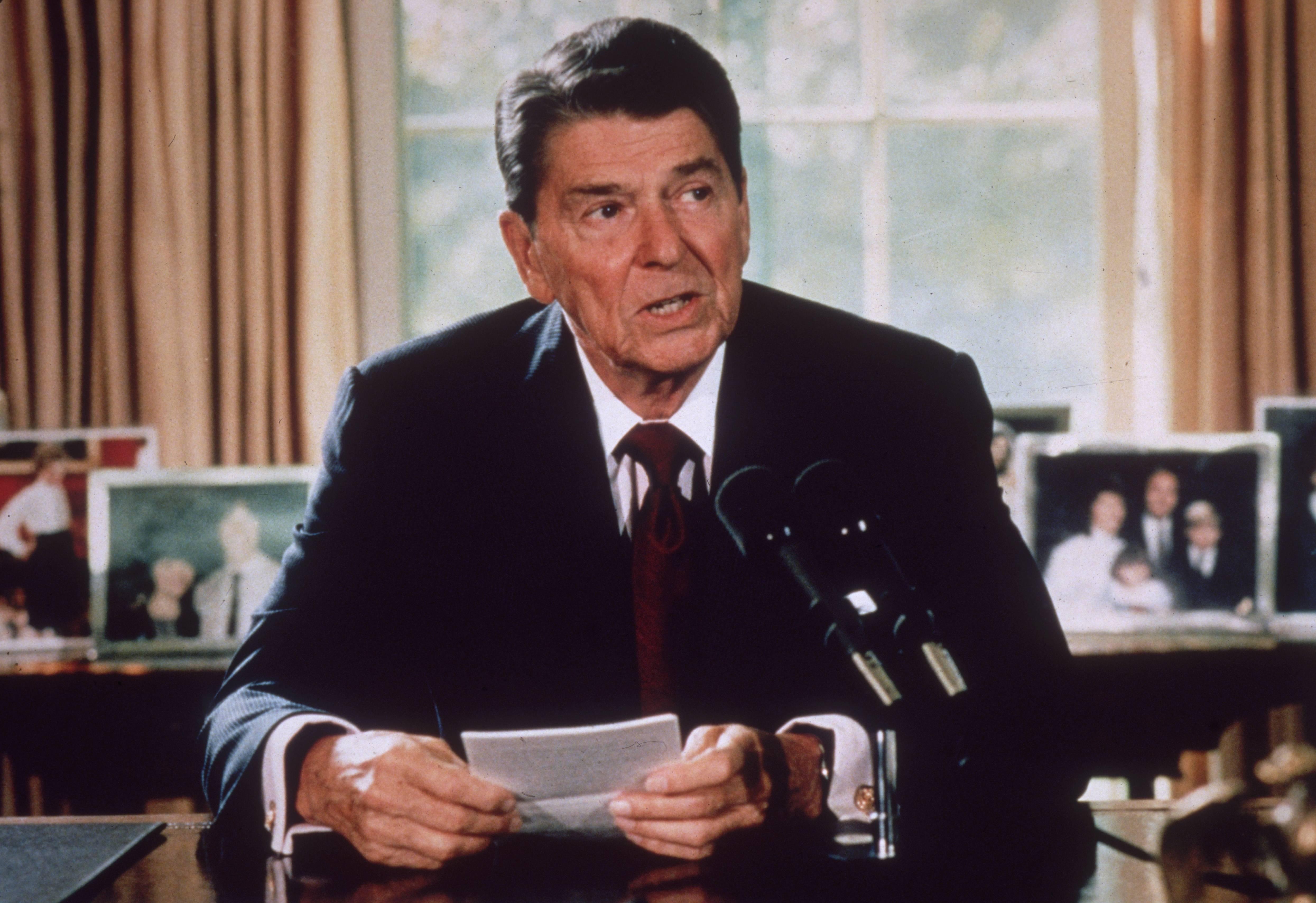 Ronald Reagan 17 Background