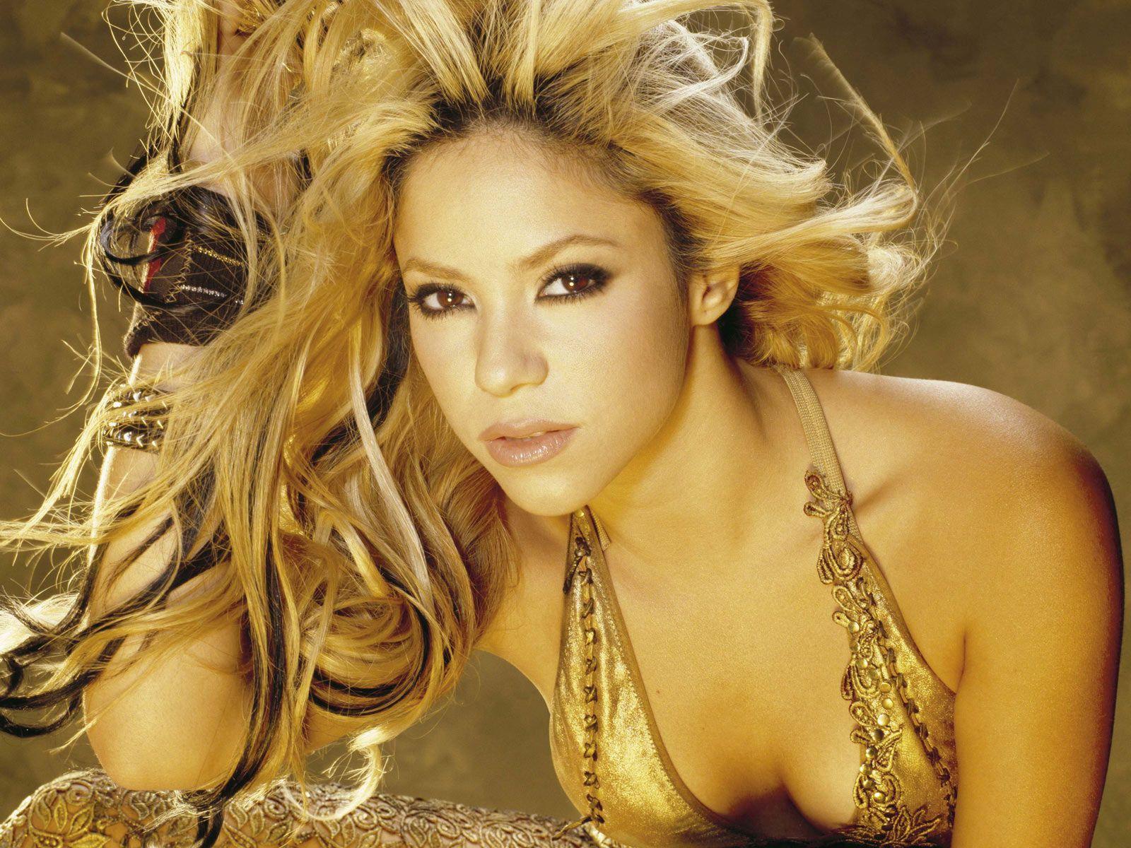 Shakira 11 Desktop Background