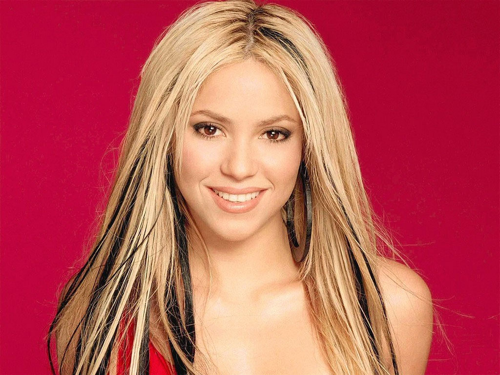 Shakira 18 Desktop Background