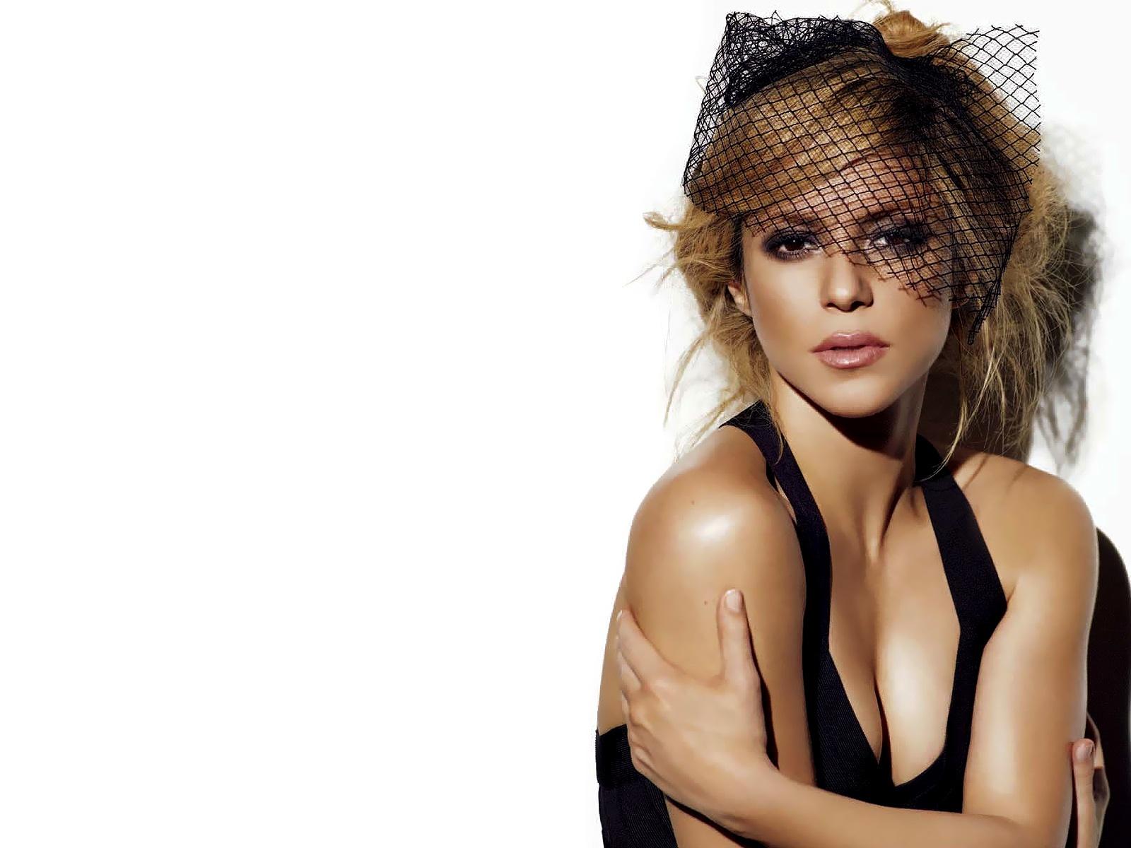 Shakira 2 Wide Wallpaper