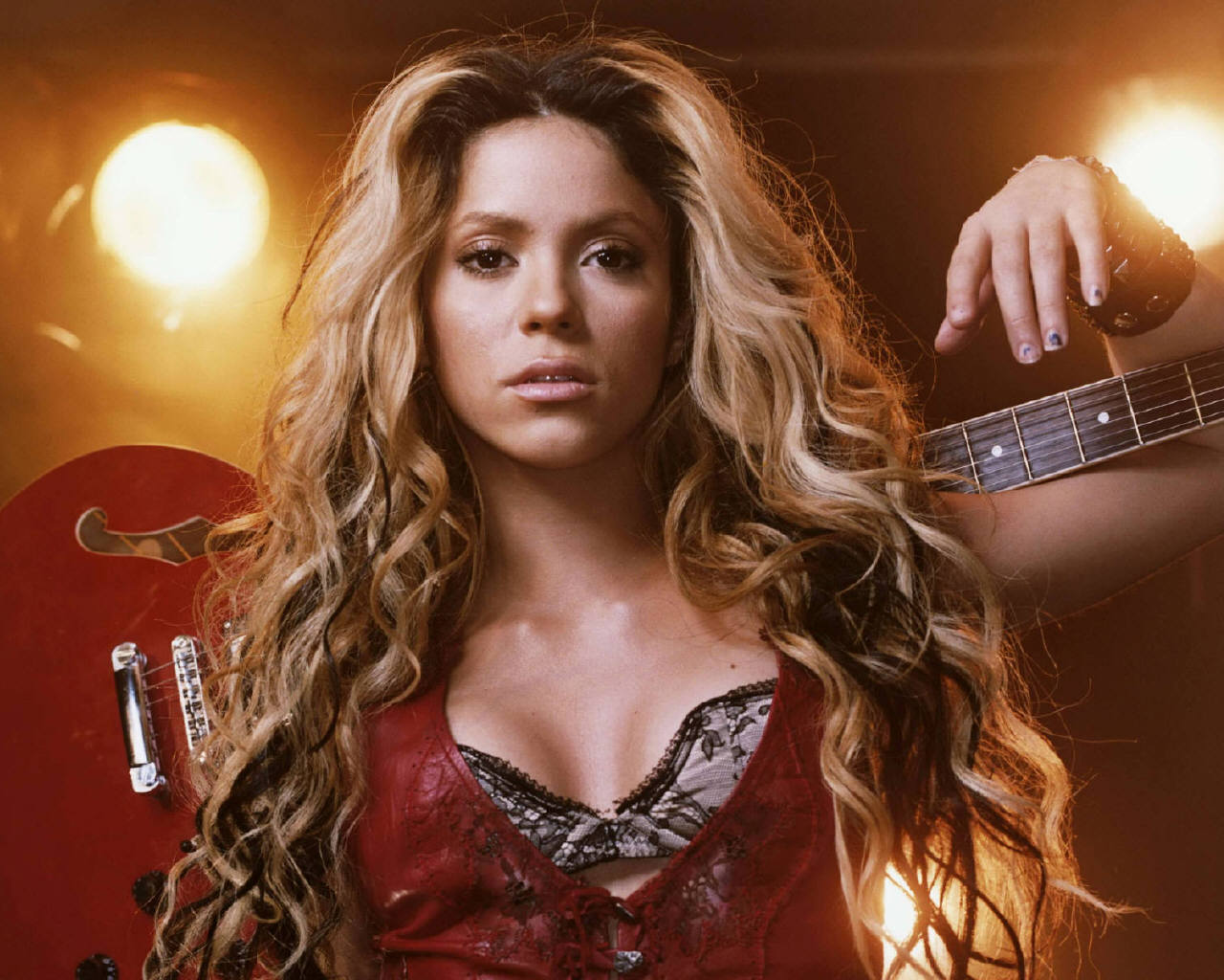 Shakira 28 Cool Hd Wallpaper