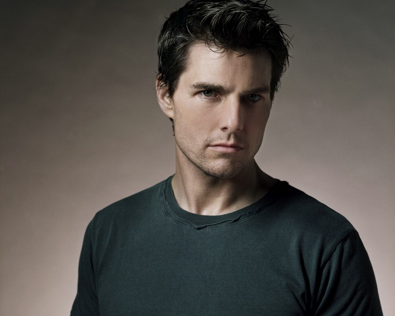 Tom Cruise 27 Widescreen Wallpaper